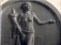Bassorilievo allegoria femminile