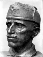 Vittorio Emanuele III con berretto